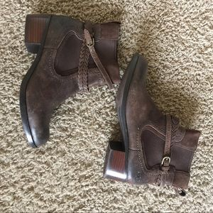 UGG Krewe Brown Leather Casual Ankle Boot